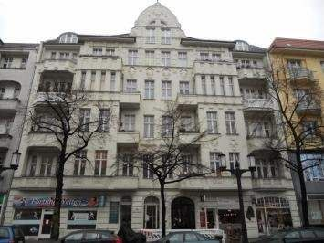 This classic, five storey period building dates from around 1900 and is located in one of Berlins most famous avenues. Germany