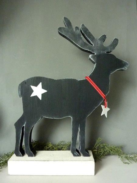 Diese Rentier- oder Hirschfigur ist eine beliebte Winterdekoration und in dieser Größe ein absoluter Hingucker. Farbe: Altweiß/Anthrazit