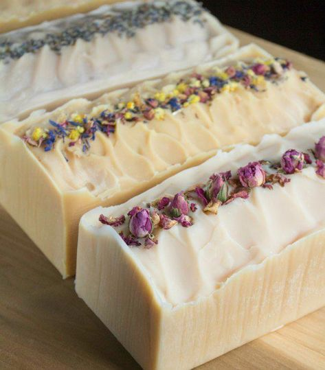 Learn how to make your own cold-process flower infused milk soap using blossoms from your garden. Learn how to make your own cold-process flower infused milk soap using blossoms from your garden. Diy Savon, Handmade Soaps, Diy Soaps, Homemade Soap Recipes, Soap Making Recipes, Cold Process Soap, Soap Molds, Home Made Soap, Flower Making