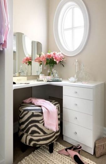 22 Ideas For Makeup Table Corner Small Spaces Makeup With Images Stylish Bedroom Small Bathroom Vanities Makeup Vanity