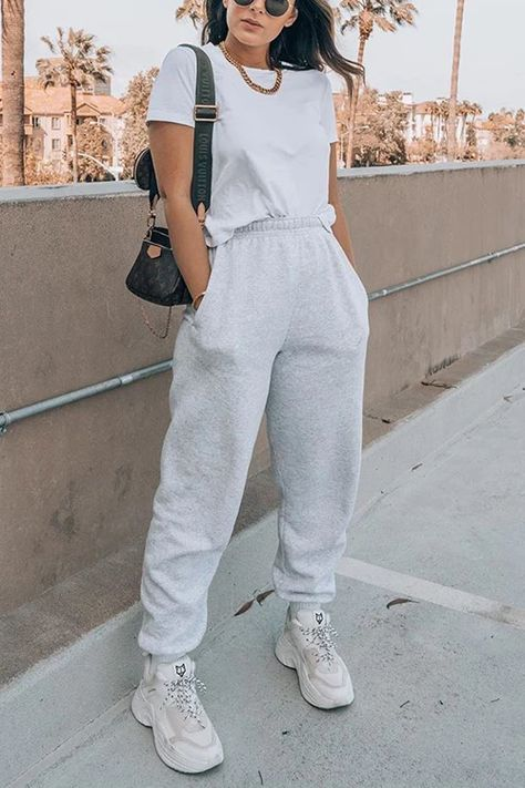 Solid Elastic Joggers – chiclinen casual pants for women pants outfit casual pants for women street style casual pants outfit casual summer casual pants Cute Sweatpants Outfit, Jogger Pants Outfit, Baggy Pants, Casual Pants, Gray Sweatpants, Casual Ootd, Teen Fashion Outfits, Look Fashion, Sporty Fashion