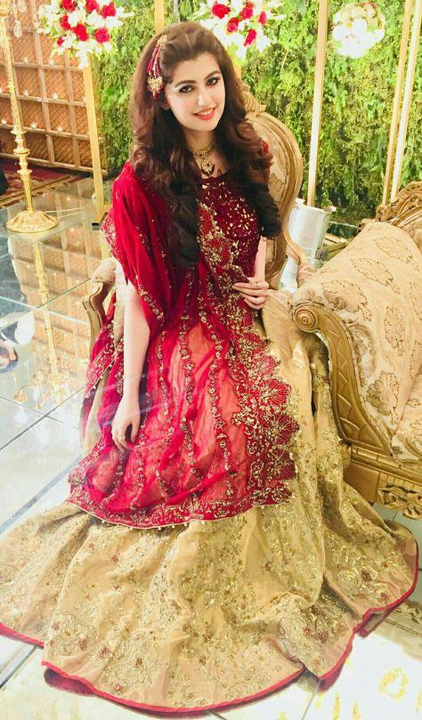 Anum gohar looks beautiful in this dress