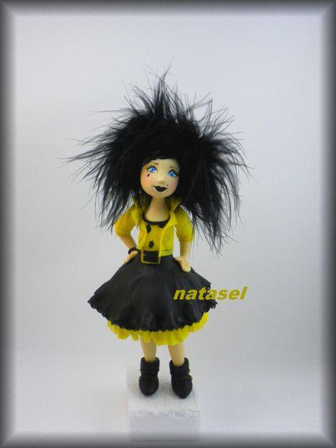 Rock you Baby - cold porcelain doll  Poupée en porcelaine froide, cheveux en marabout