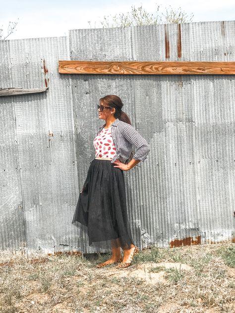 #modestfashion #modestinfluencer #apostolicinfluencer #mamamodesta #stylishmama #fashionover40 #tulleskirt #mixedprints #ginghamtop #funfashion #modamodesta #skirtstyle #modestfashioninspiration #modestblogger #microinfluencer #springfashion