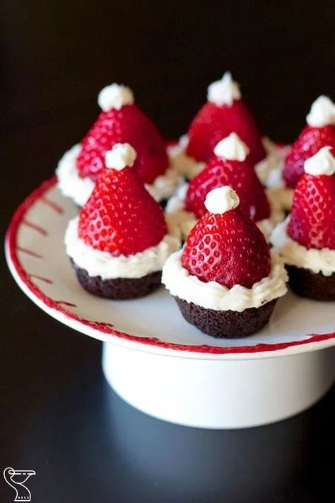 14+ Delicious Christmas Food And Snack Ideas For Parties 14+ Delicious Christmas Food And Snack Ideas For Parties || Tons of delicious inspiration for festive Christmas party foods to please your holiday party crowd! Finger foods and themed appetizers! #christmassnack #christmasfood #christmaspartyfood ~ Agus