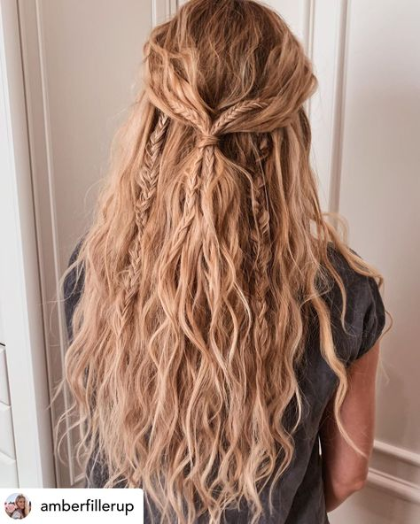 15 Ridiculously Cute Summer Hairstyles (Step-By-Step Tutorials Included) Timeless beach waves are the perfect summer hairstyle! Rock your summer with 15 incredibly cute and super easy summer hairstyles! Whether you're into messy buns, braided updos, or ev Box Braids Hairstyles, Long Bob Hairstyles, Black Women Hairstyles, Hairstyles Videos, Messy Braided Hairstyles, Grunge Hairstyles, Hairstyles Pictures, Protective Hairstyles, Blonde Curly Hairstyles