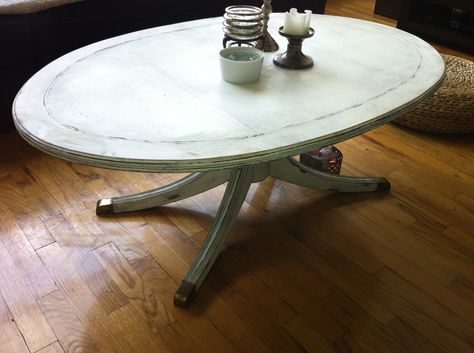 might paint my Duncan Phyfe coffee table like this.