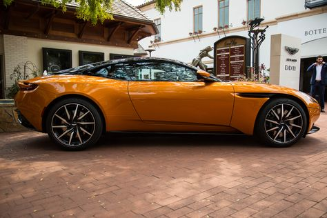 The Aston Martin Db11 Has Made It To The Us Just In Time For The Monterey Car Week Festivities Automoviles