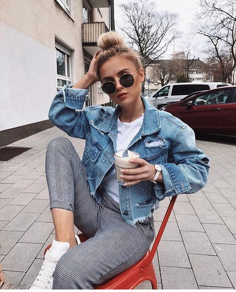 Outfits are hard to find when it's that awkward cold in the morning and hot in the afternoon weather. To help you out, here are the best outfit ideas for those awkward weather days.