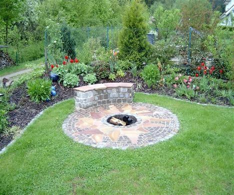 sitzplatz feuerstelle tea for twoleverettu0027s secret garden eine feuerstelle am pool - Versunkene Feuerstelle