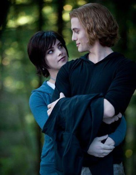 Saga Twilight, Twilight Alice, Jasper Twilight, Vampire Twilight, Twilight Cast, Twilight Breaking Dawn, Twilight New Moon, Twilight Movie, Twilight Poster