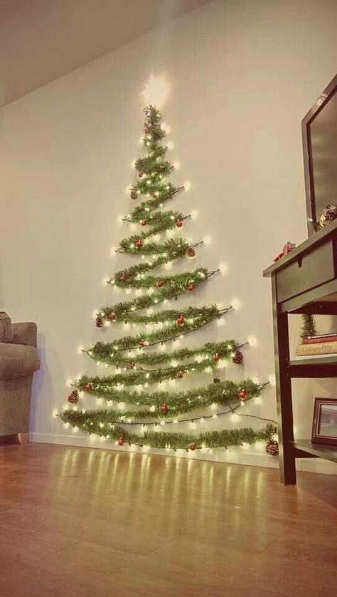 I Pinimg Com 736x Bf 3d 6d Bf3d6de8ce9ff8c72e47318bda49d270 Jpg 크리스마스 벽 장식 크리스마스 트리 벽 크리스마스 장식 아이디어