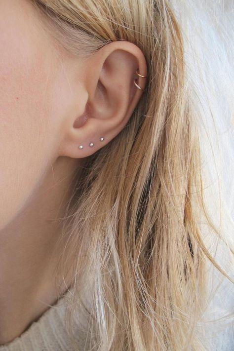 "2 Cuffs No Piercing 1 Helix Cuff Ear Cuff ""Triple Loops"" & 1 Anti Tragus Cuff ""Simple Loops"" Cartilage - Custom Jewelry Ideas Septum Piercing, Ear Peircings, Cute Ear Piercings, Piercings For Small Ears, Sterling Necklaces, Sterling Silver Earrings, Constellation Piercings, Accesorios Casual, Ear Jewelry"