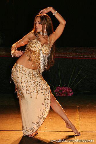 агванский танец живота с балшои заднитса дамы сексуальными
