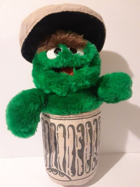 Applause Sesame Street Oscar The Grouch In Can Plush 12
