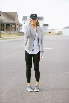 Take a look at these athleisure outfits for everyday wear! Take a look at these athleisure outfits for everyday wear!