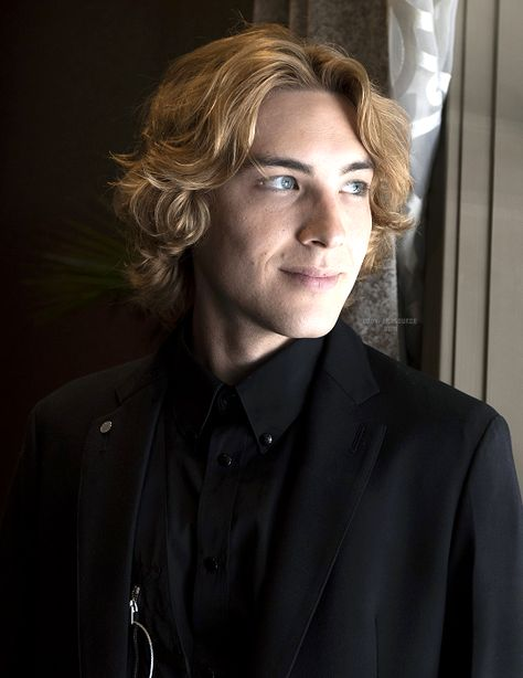 Cody Fern attending the American Horror Story: Apocalypse press conference and photocall Beautiful Boys, Pretty Boys, Beautiful People, American Horror Story, Gianni Versace, Apocalypse, Fern Michaels, Nicole Fox, Evan Peters
