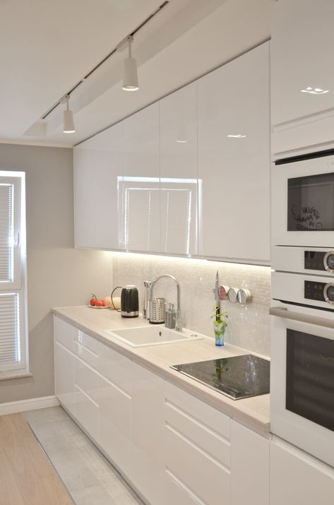 Look into our gallery including 46 Inspiring Kitchen Lighting Ideas as well as discover the inspiration for your kitchen! #Kitchenideas #Kitchenisland #Smallkitchen #Remodel #Kitchencabinet  #galleykitchentracklightingideas