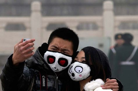 Face Masks Popular As Beijing Air Quality Stays At Hazardous Levels Beijing Air Pollution Pollution