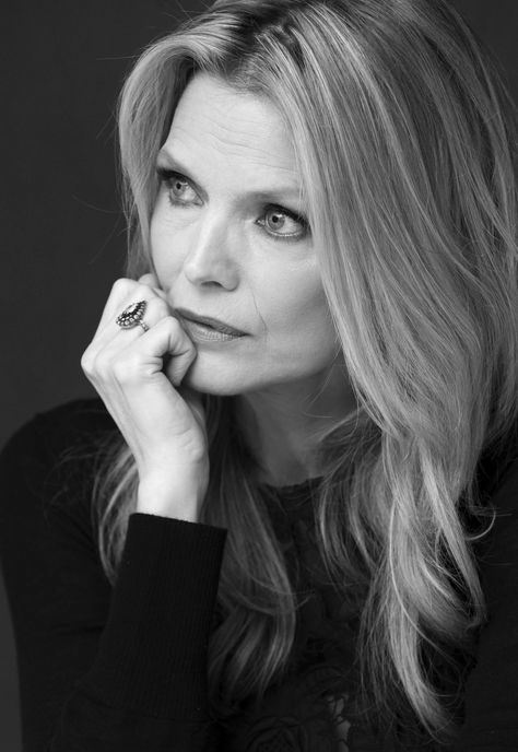 Michelle Pfeiffer; luv the hair style