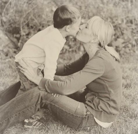25 things moms need to do for their boys - most can, and should be, done by grandmothers too ;-)