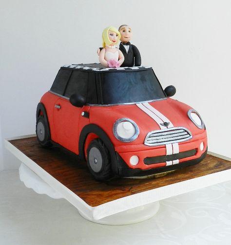 Love this Mini Cooper wedding cake!! #MINI #MINIcooper #cake