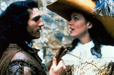 Highlander - Publicity still of Adrian Paul & Elizabeth Gracen