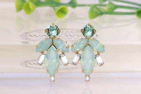 #weddings #jewelry #earrings #bridesgift #bridesmaidearrings #bridalearrings #artdecoearrings #mintopalearrings #peridotcrystals #pastelearrings #swarovskiearrings #bridesmaidstuds #womengift #lightgreenearrings #mintwedding #mintearrings