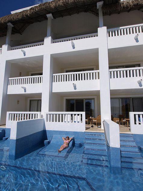 Swim up room - Grand Riviera Princess, Playa Del Carmen (Riviera Maya) - Mexico.  ASPEN CREEK TRAVEL - karen@aspencreektravel.com