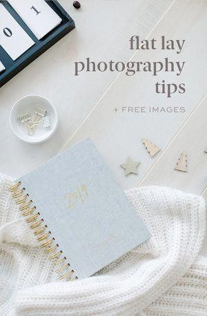 Flat lay photography Tips: I'm sharing how I shopped for, styled, photographed and edited these flat lay photos using my DSLR camera and Lightroom. Download these FREE stock photography images to use for your business! #flatlay #stockphotography #CameraDslrHowToUse