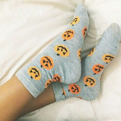 Halloween, autumn, and pumpkin image Helloween Party, Fall Outfits, Cute Outfits, Autumn Aesthetic, Cute Socks, Awesome Socks, Happy Fall Y'all, Oui Oui, Fashion Mode