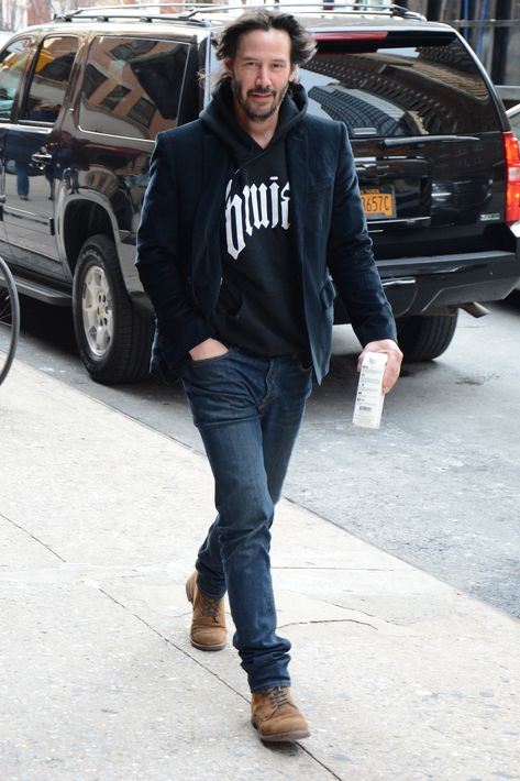 men outfits - Keanu Reeves Shows You How to Wear a Blazer Everywhere and with Everyt Keanu Reeves Life, Keanu Reeves Quotes, Keanu Reeves John Wick, Keanu Charles Reeves, Keanu Reaves, Estilo Rock, Blazer Outfits, Gentleman Style, Sport Coat