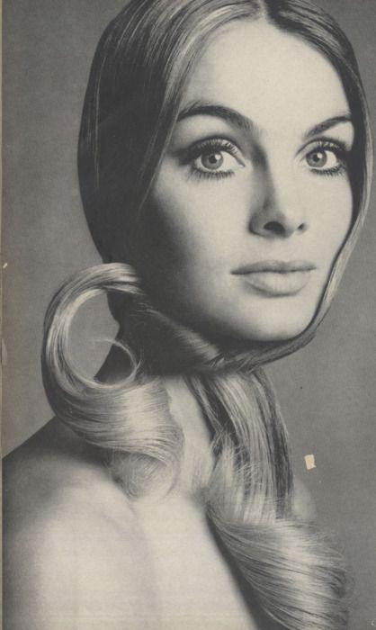 Jean Shrimpton      Vogue - February 1969