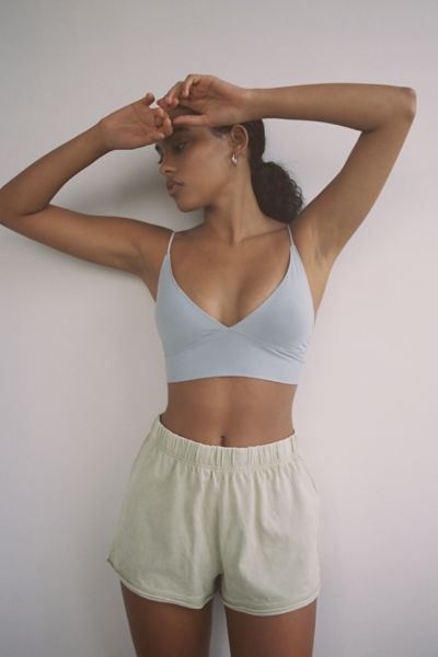 Shop Out From Under So Smooth Micro Fusion V-Neck Bra Top at Urban Outfitters today. Ropa Interior Calvin, Sexy Lingerie, Summer Outfits, Cute Outfits, Girl Outfits, Lazy Outfits, Stylish Outfits, Crop Top Bra, Bra Tops