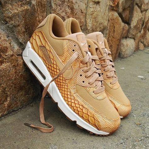 7a55652ca66 Nike Air Max 90 Premium