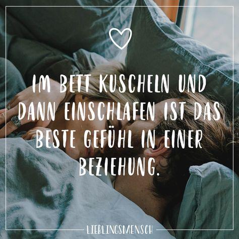 Im Bett kuscheln und dann einschlafen ist das beste Gefühl in einer Beziehung. - VISUAL STATEMENTS®