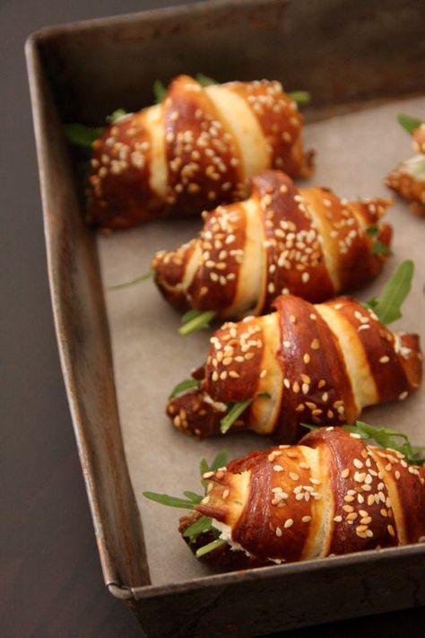 Mini Philadelphia croissants with dried tomatoes