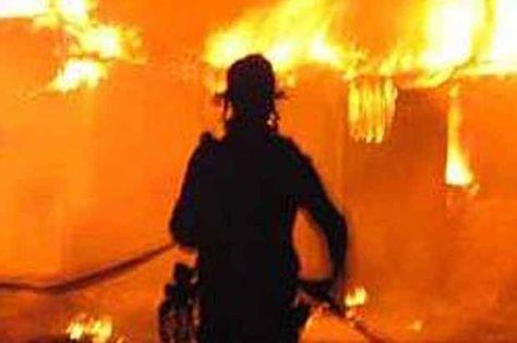 Kantor Gubernur Kalimantan Tengah Terbakar Pantai Resor Di Pantai