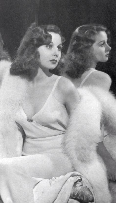 "Susan Hayward ""Mirror Shot"""