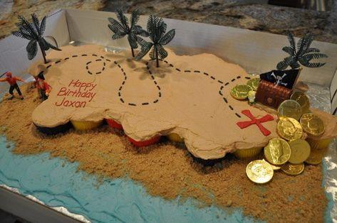 pirate party Cupcake Treasure Map cake Pinning for the picture Pirate Cupcake, Cupcake Party, Pirate Cakes, Pirate Birthday Cake, Birthday Cakes, Easy Pirate Cake, Pirate Kids, Pirate Day, Treasure Map Cake