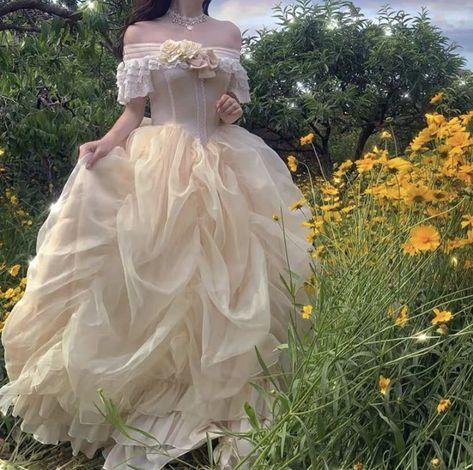 Fairytale Dress, Fairy Dress, Fairytale Fashion, Vestidos Vintage, Vintage Dresses, 1800s Dresses, Renaissance Dresses, Ball Dresses, Flower Girl Dresses