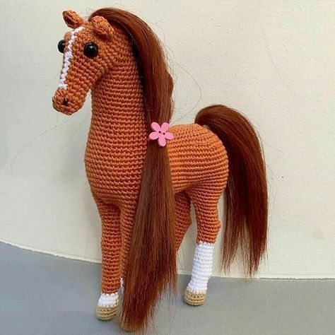 We continue to share beautiful amigurumi crochet pattern. The most beautiful amigurumi knitting toy models have wonderful amigurumi horse patterns in order.We have put together all of the most beautiful amigurumi knitting dolls and animal models for
