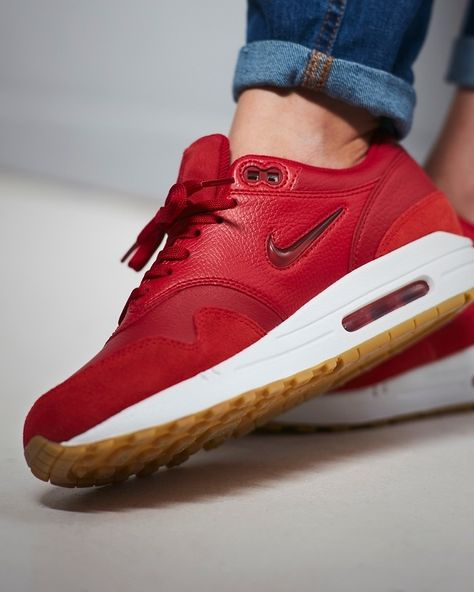 low priced 6786e ed9f6 Nike Air Max 1 Premium SC Gym Red   Gum Light Brown Credit   Size