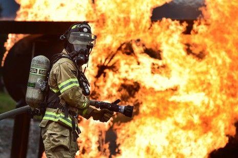 ما هو تفسير إطفاء النار في الحلم إطفاء النار بالمنام اطفاء النار النار النار في الحلم Firefighter Training Training Motivation Pictures Training Quotes