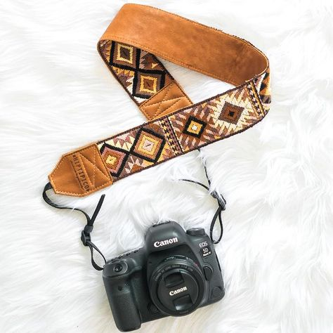 Handcrafted Guatemala accessories for Free People. Hiptipico offers Floral Camera Straps, Professional camera accessories, guitar straps, textile bag straps all handmade by female artisans. Available in both leather and vegan options! Diy Camera Strap, Leather Camera Strap, Diy Leather Guitar Strap, Guitar Straps, Leather Jewelry, Leather Craft, Cute Camera, Yoga, Photography Accessories