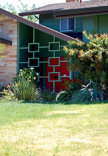 Mid Century Modern in Sacramento - great color and great design elements