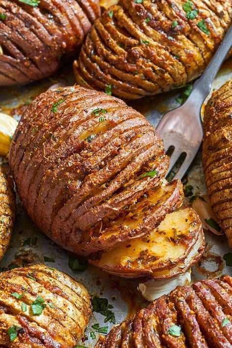 Roasted Hasselback Potatoes – Tossed with Garlic-Butter-Parmesan goodness & roasted to crisp-tender perfection!