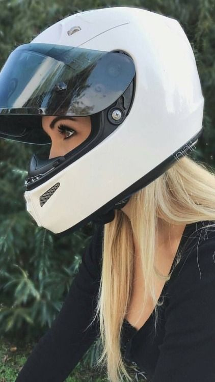 Pin By Scot Crowder On M Motorcycle Girl Cafe Racer Girl Biker Girl