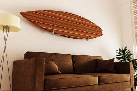 Surfboard Rack. Single board wall display. handgemaakt houten surfplank rek uit sloophout.