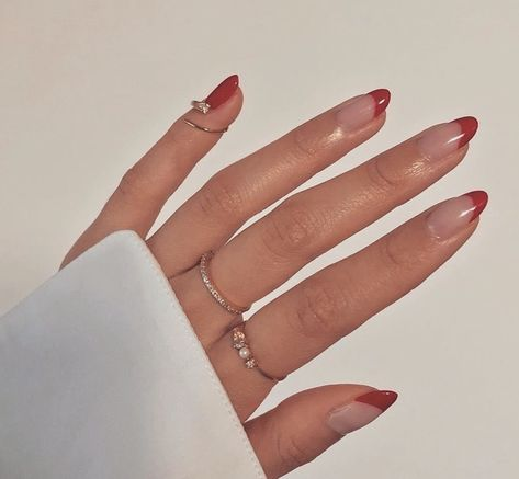 In search for some nail designs and some ideas for your nails? Here's our set of must-try coffin acrylic nails for fashionable women. Aycrlic Nails, Swag Nails, Hair And Nails, Glitter Nails, Kylie Nails, Pointy Nails, Nail Manicure, Stylish Nails, Trendy Nails
